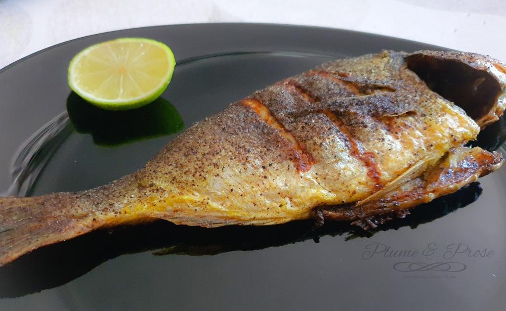 Poisson grillé, sel et poivre