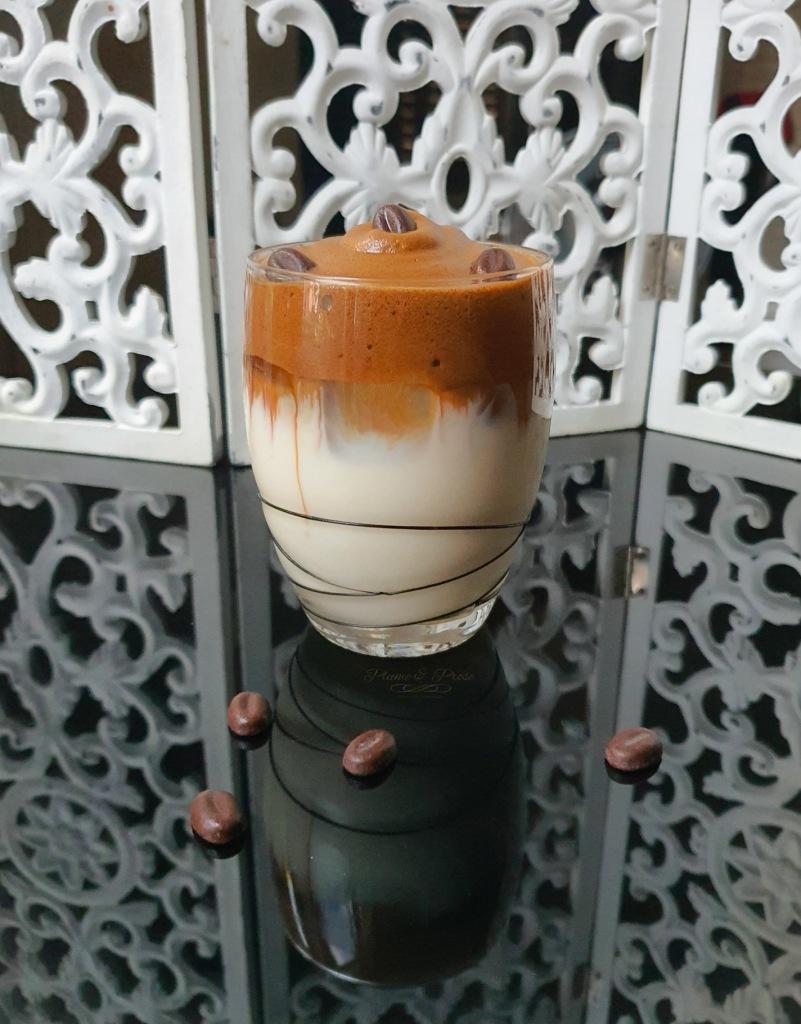 """""""Dalgona Coffee"""" ou le café frappé Coréen qui fait fureur"""