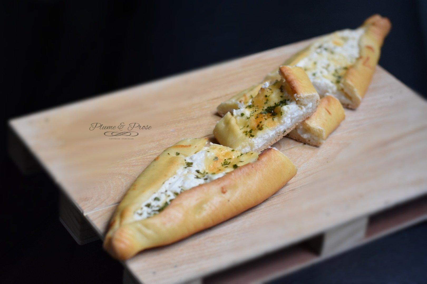 """""""Peynirli Pide"""" ou la Pizza turque au fromage"""