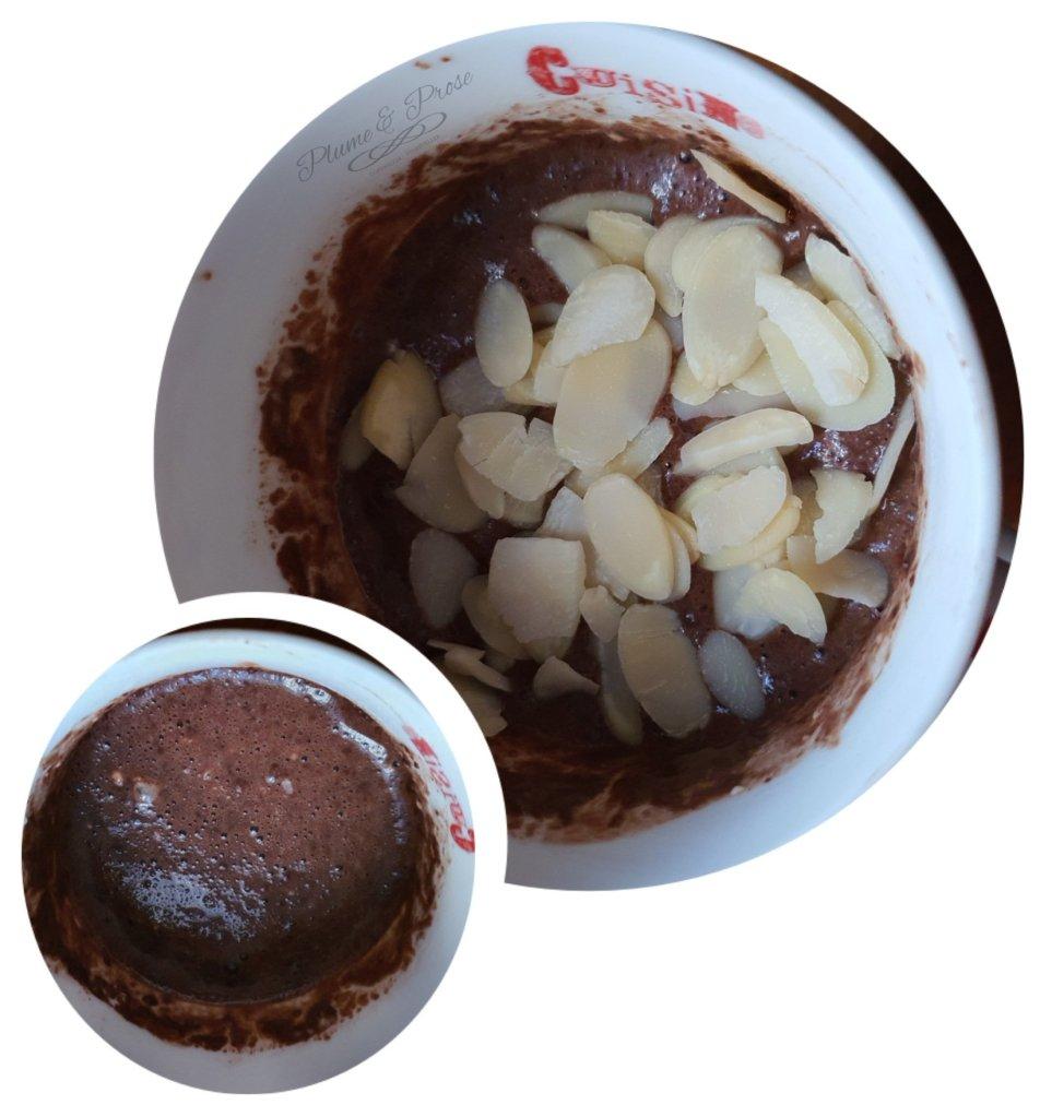 Préparation du mugcake cacao du chef Lignac