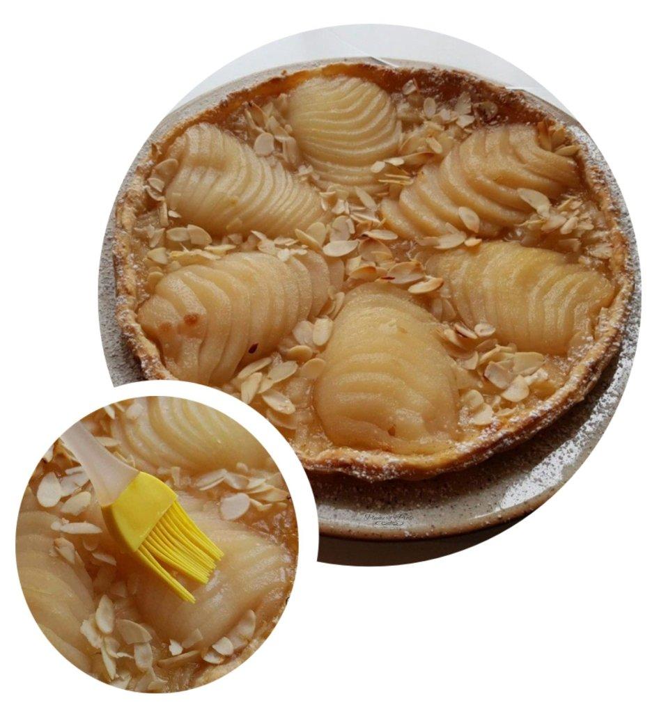 Préparation de la tarte légère aux poires