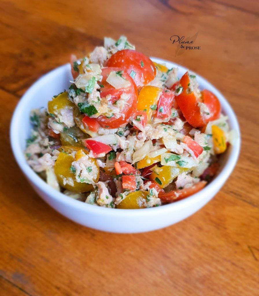 Goûtez à cette délicieuse salade de tomates au thon à la mauricienne