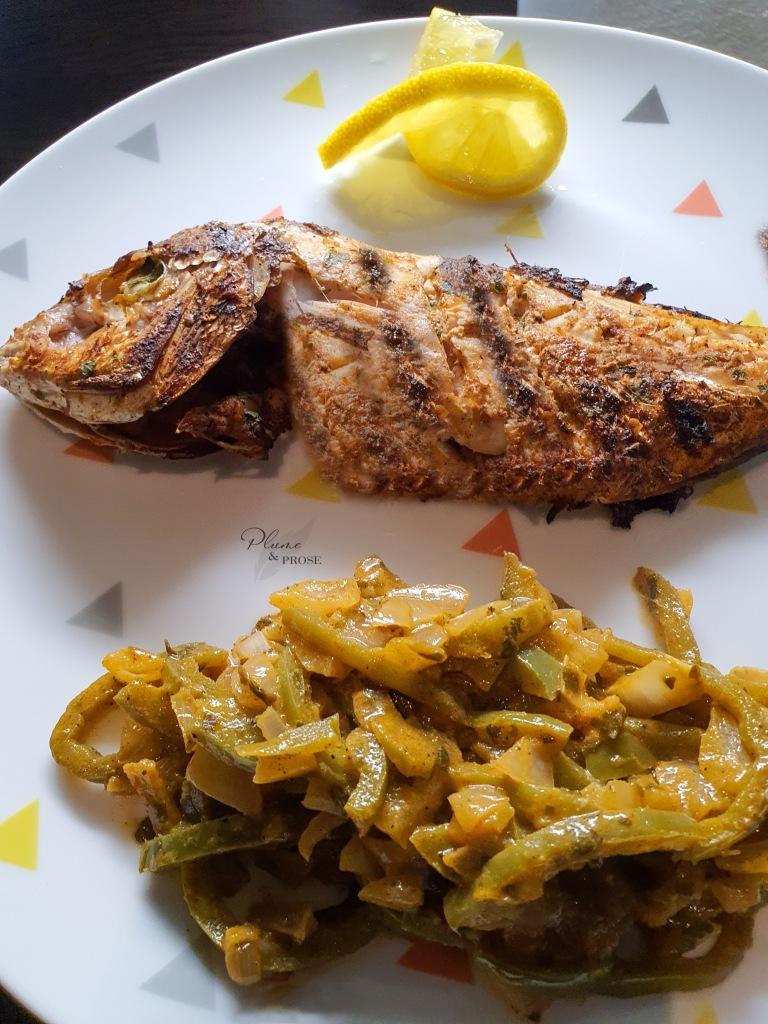Laissez-vous emporter par les saveurs de ce poisson braisé et sa sauce oignon